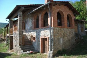 Old farmhouse in Massimino