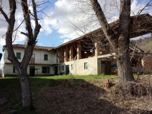 Farm house in Castellino Tanaro
