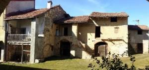 Antique house in borgo