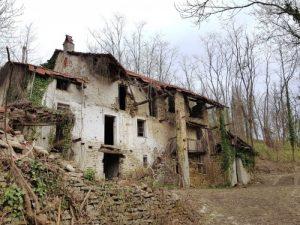 Antica cascina a Paroldo